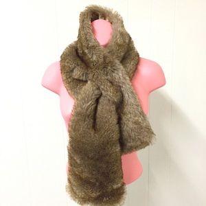 GARNET HILL Faux Fur Vintage Look Scarf Wrap Stole